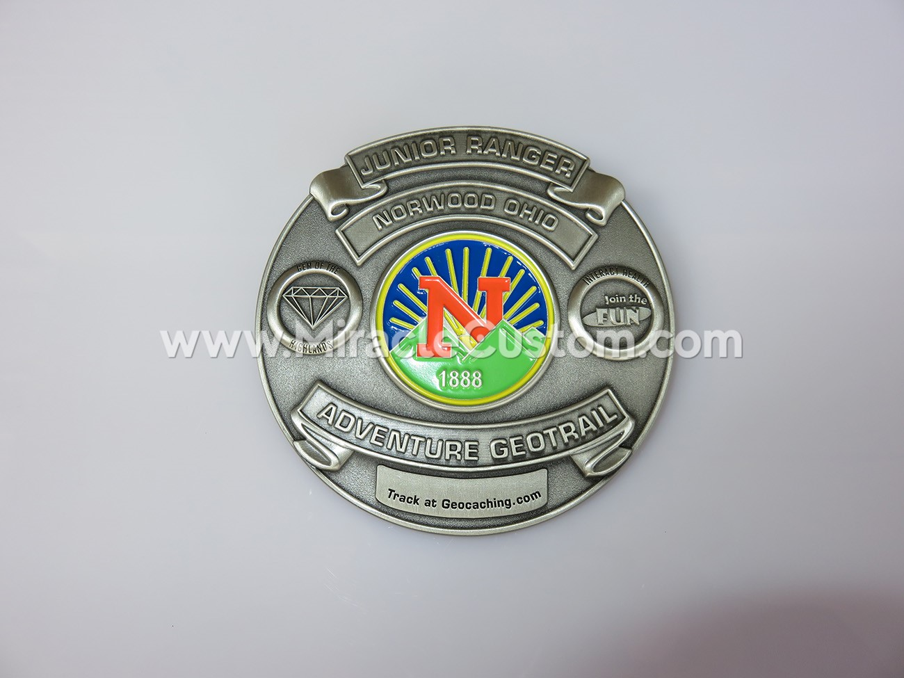 custom metal pin badge