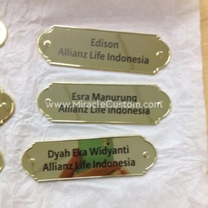 custom plaque maker