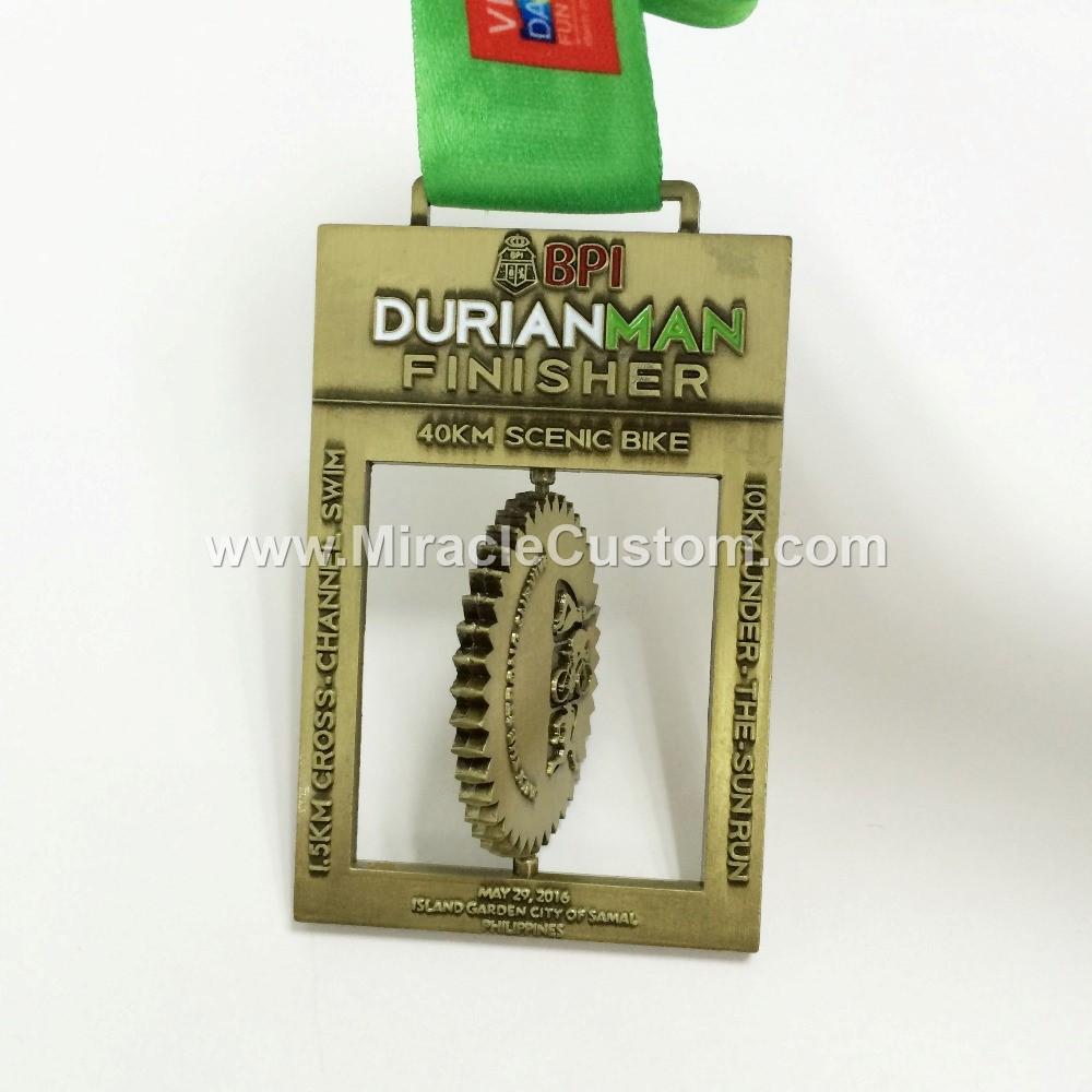 custom spinning race medals