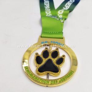 custom spin cast medals