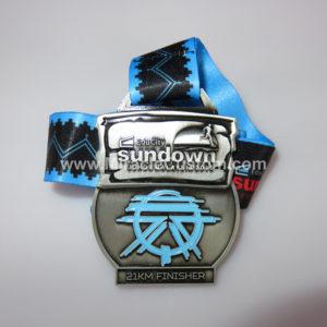 custom 21km finisher medals