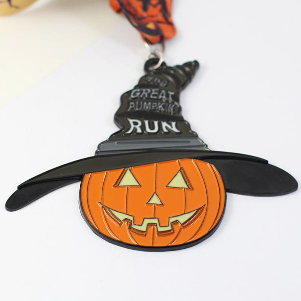 custom pumpkin run medal