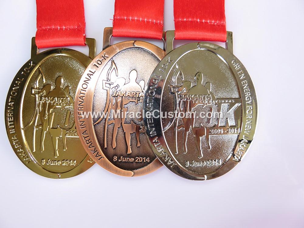 custom running events indonesia marathon medals