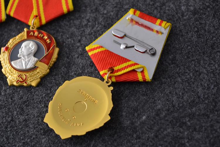 Custom superior quality Lenin Badges