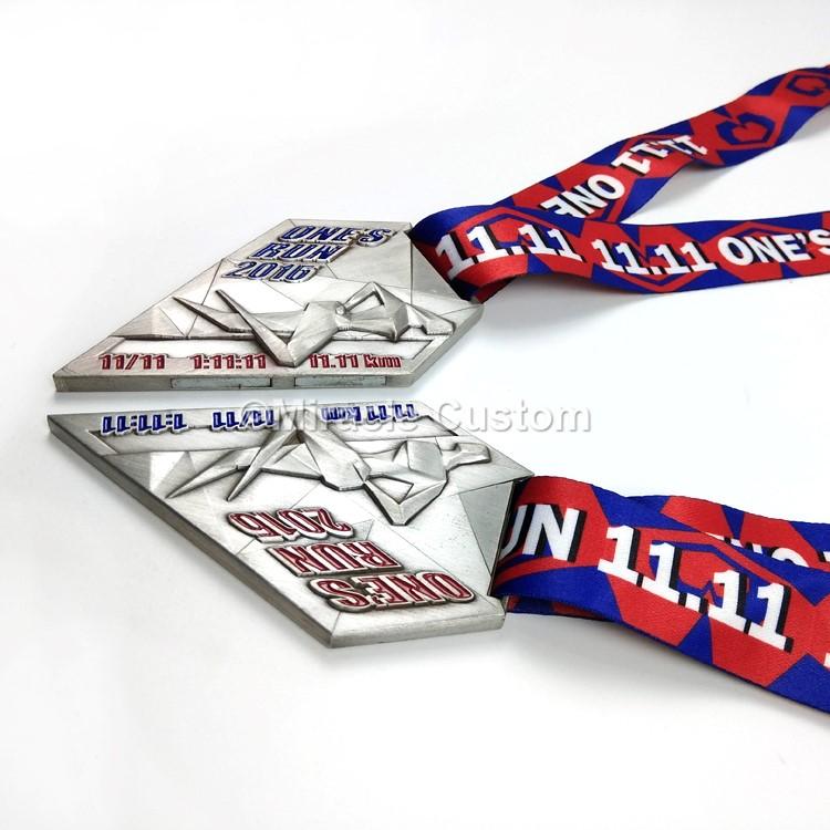 custom couple run medals