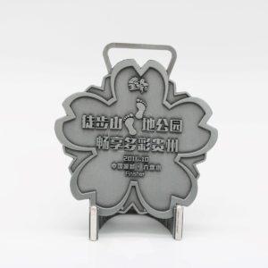 custom hiking medallion
